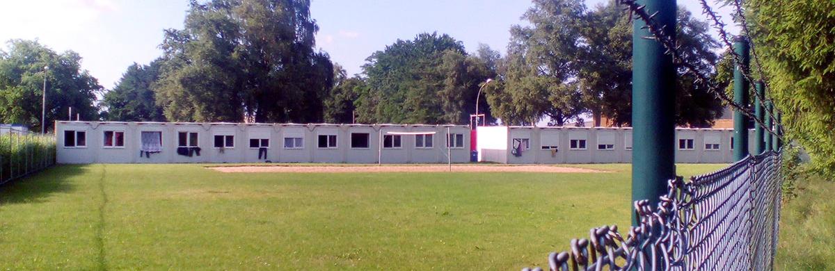 Barracones donde viven las trabajadoras de la fresa en Oldenburgo. Foto: ALSO
